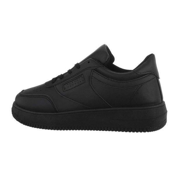 Black-sneakers-591443