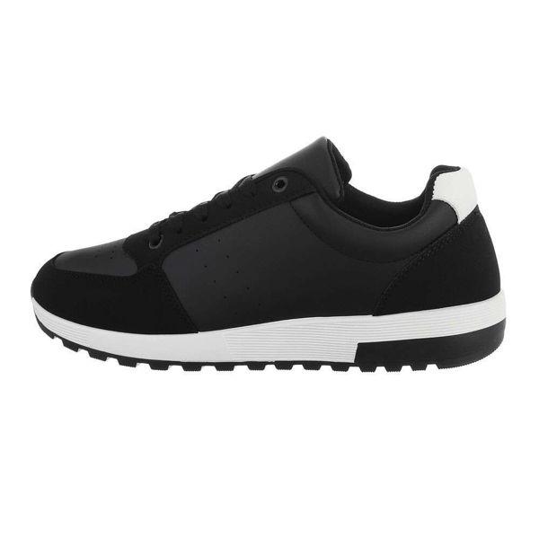 Black-sneakers-591395