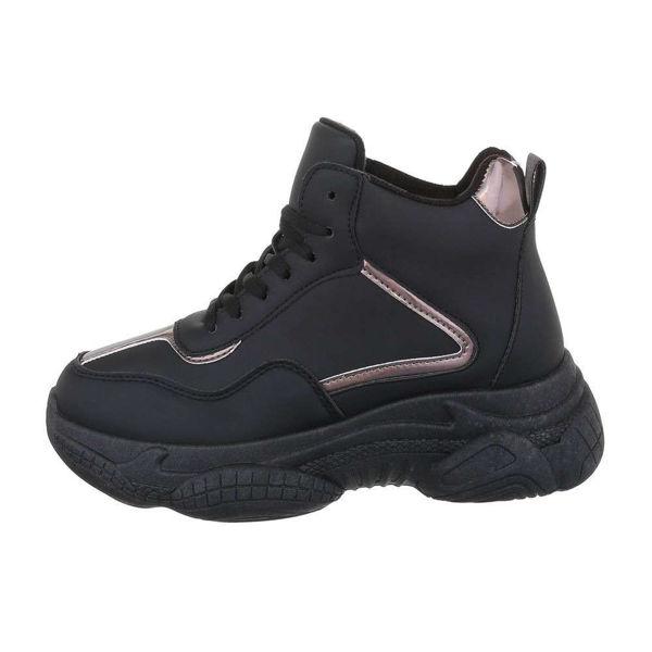 Black-sneakers-526115