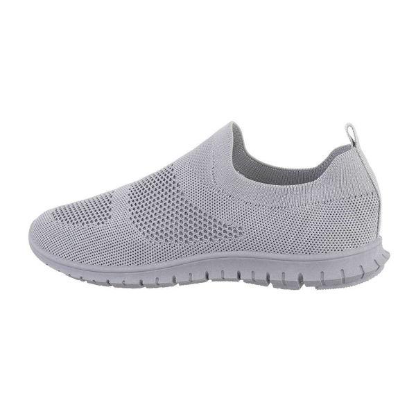 Grey-sportshoes-586456