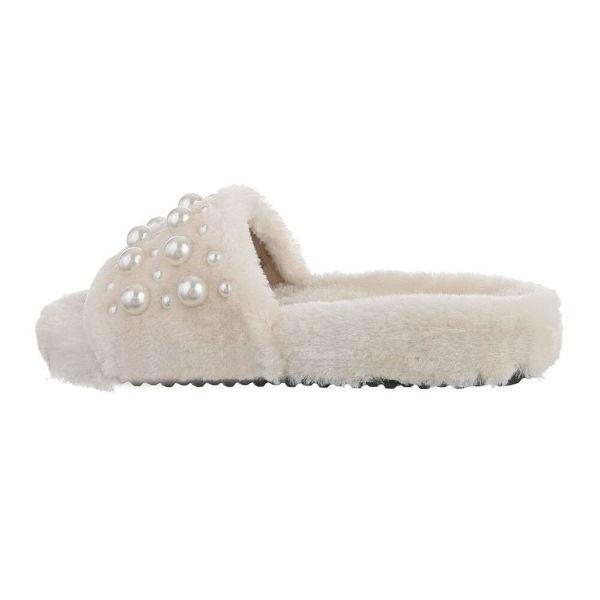 Beige-slippers-594481