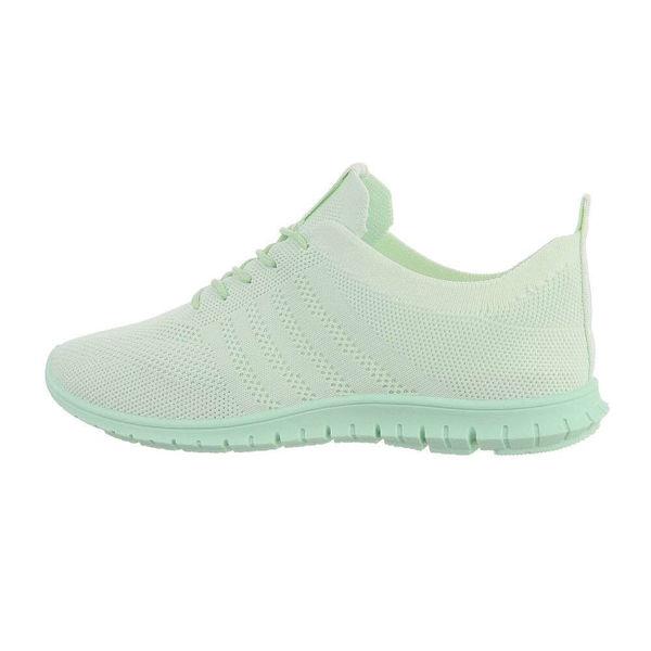 Green-sportshoes-595449