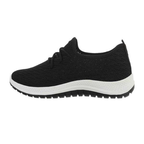 Black-sportshoes-595081