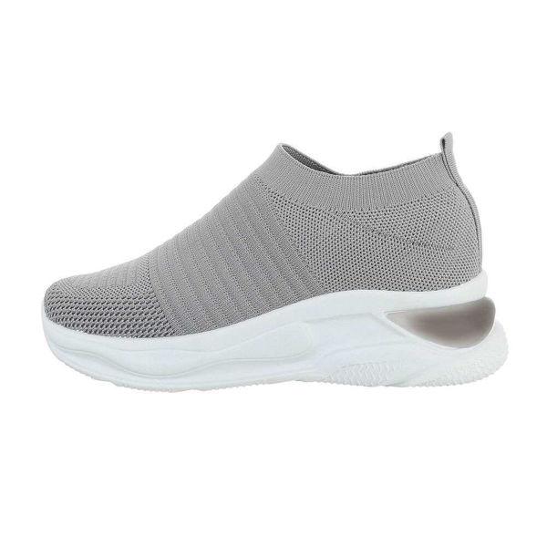 Grey-sportshoes-552971