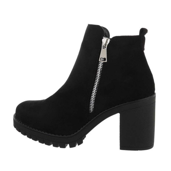 Black-boots-572756
