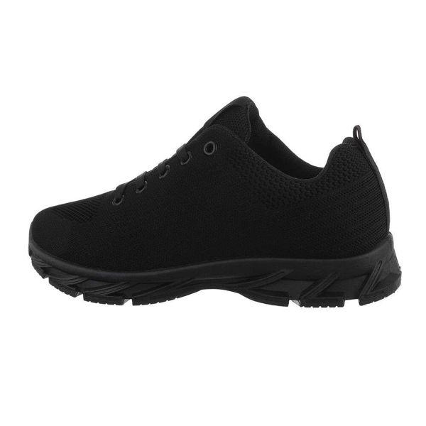 Black-sneakers-590695