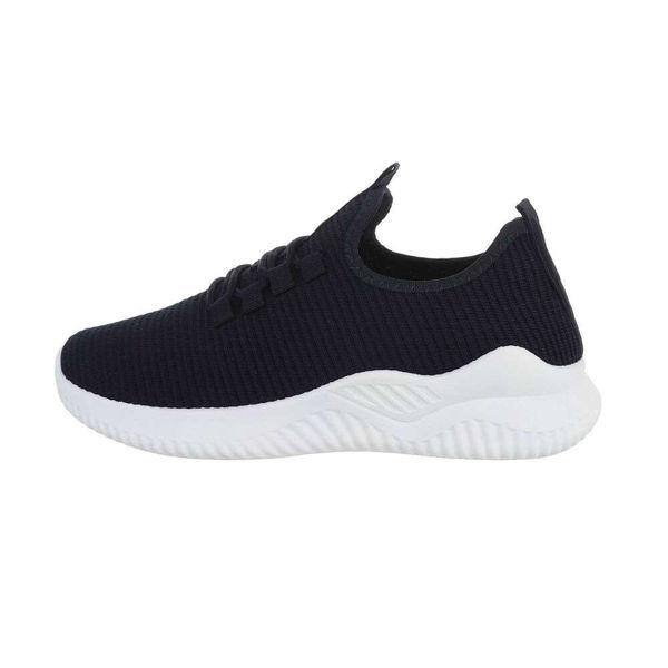 Dark-blue-sportshoes-568855