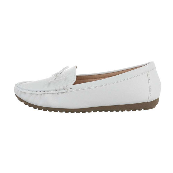 White-moccasins-590301