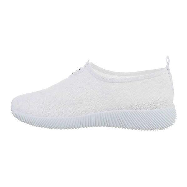 White-sportshoes-593516