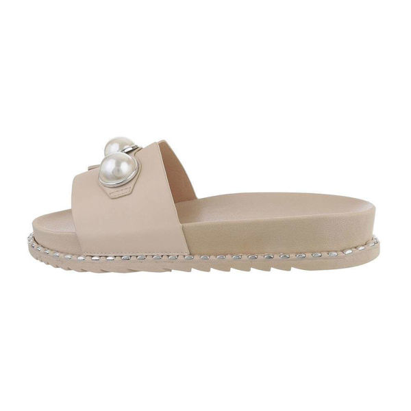Beige-slides-with-pearls-594409