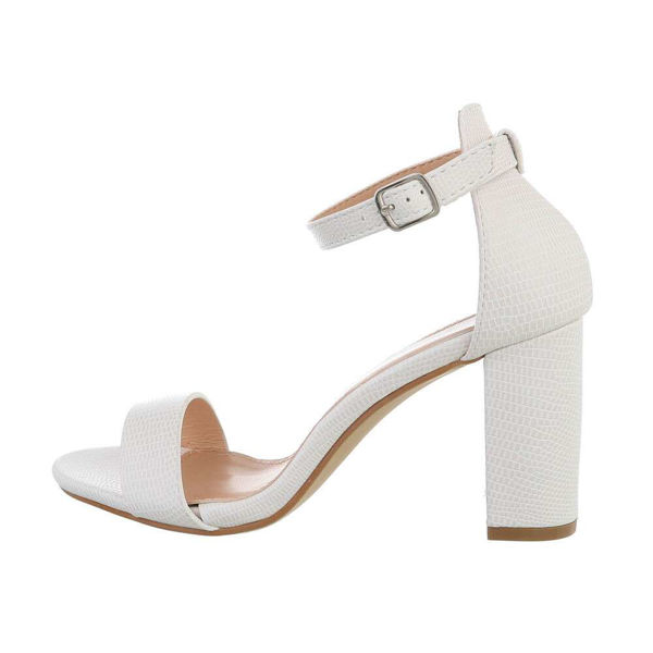 White-High-Heels-572537