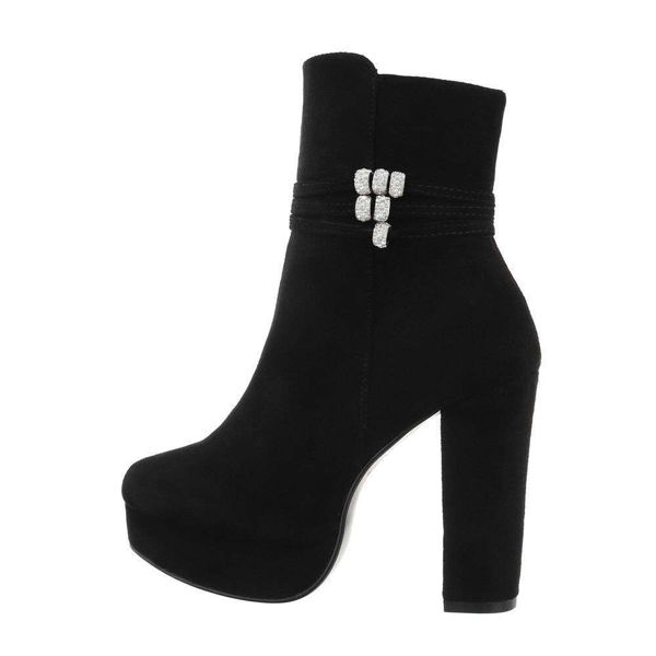 Black-ankle-boots-580811