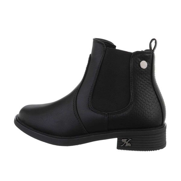 Womens-black-ankle-boots-579062