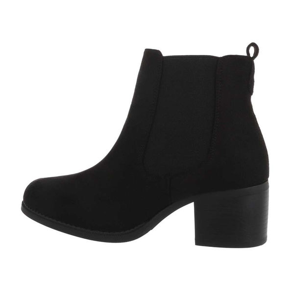 Womens-black-ankle-boots-547881
