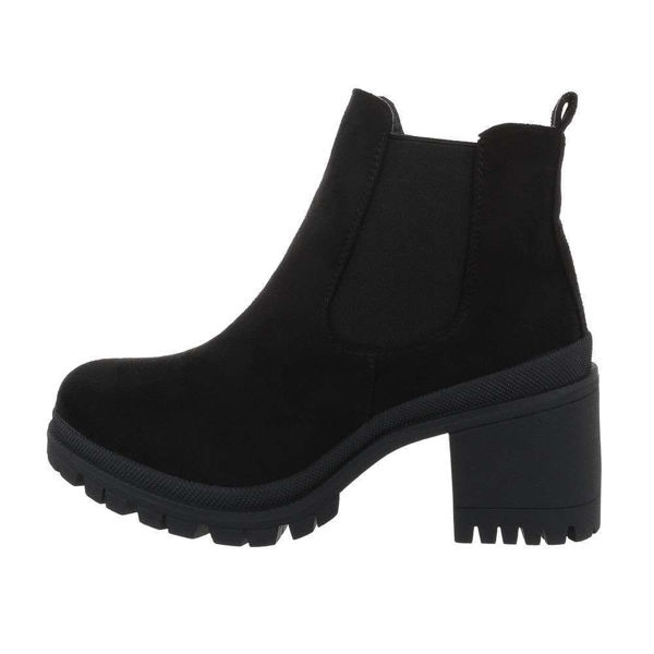 Womens-black-ankle-boots-539221