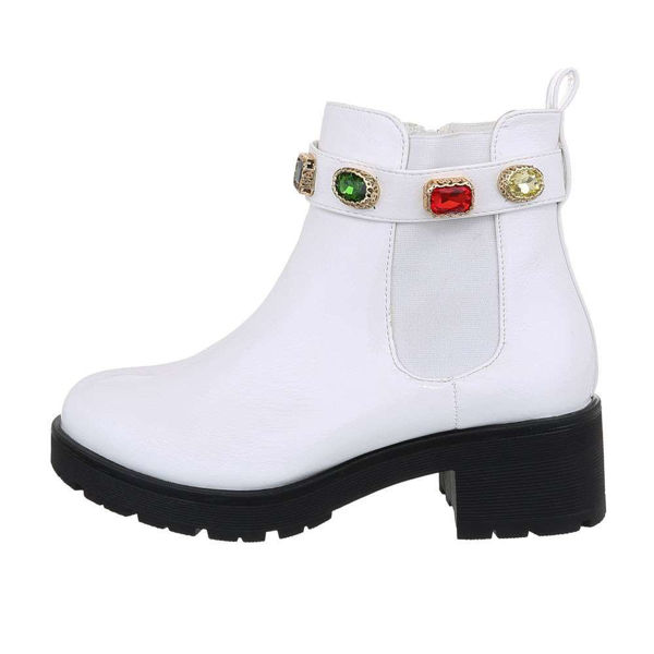Womens-white-ankle-boots-526163