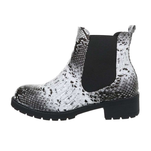 Womens-black-ankle-boots-520925
