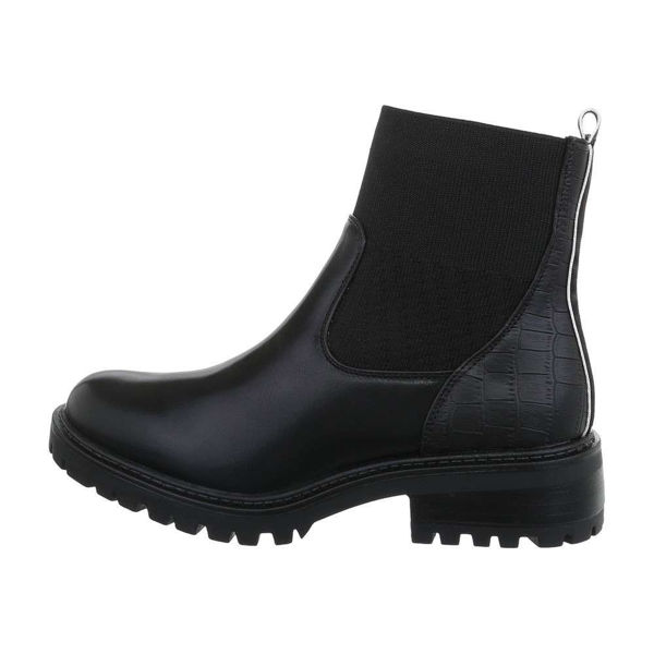 Womens-black-ankle-boots-538392