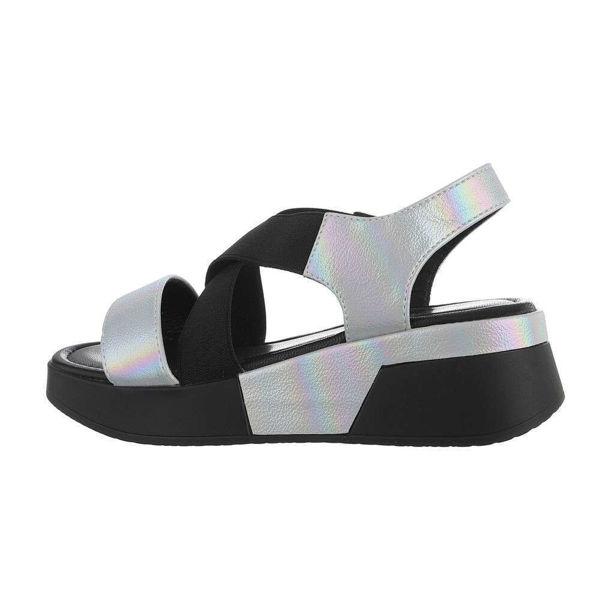 Paksu-tallaga-hobedased-sandaalid-602293