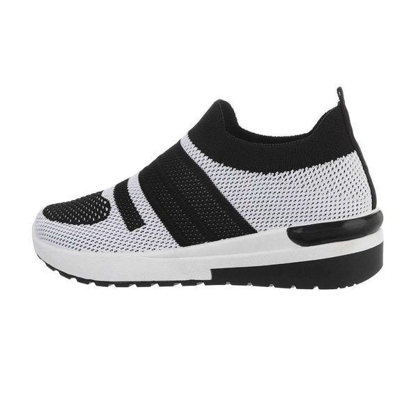 Womens-black-sportshoes-595161