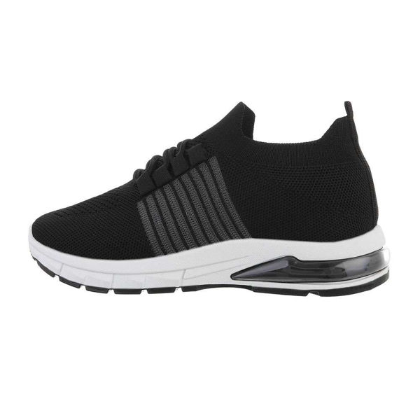 Womens-black-sportshoes-593293