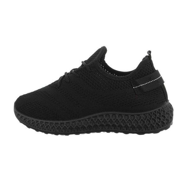 Womens-black-sportshoes-589789