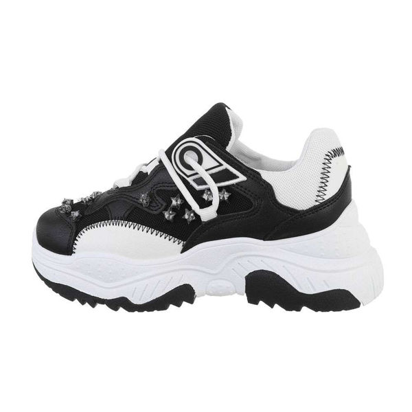 Womens-black-sportshoes-579038