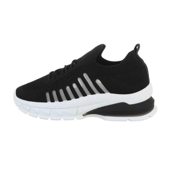 Womens-black-sportshoes-560380