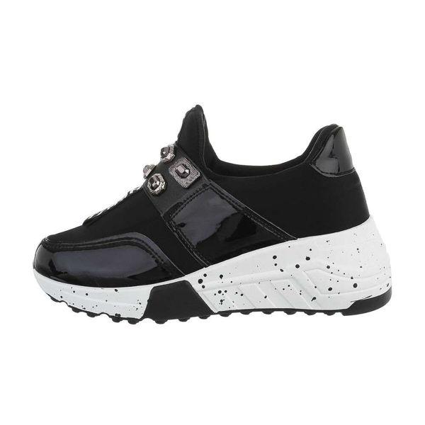 Womens-black-sportshoes-556224