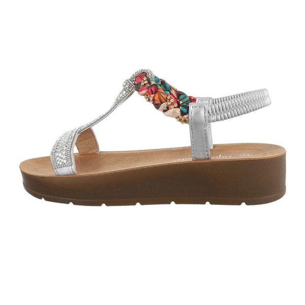 Hobedased-sandaalid-600942