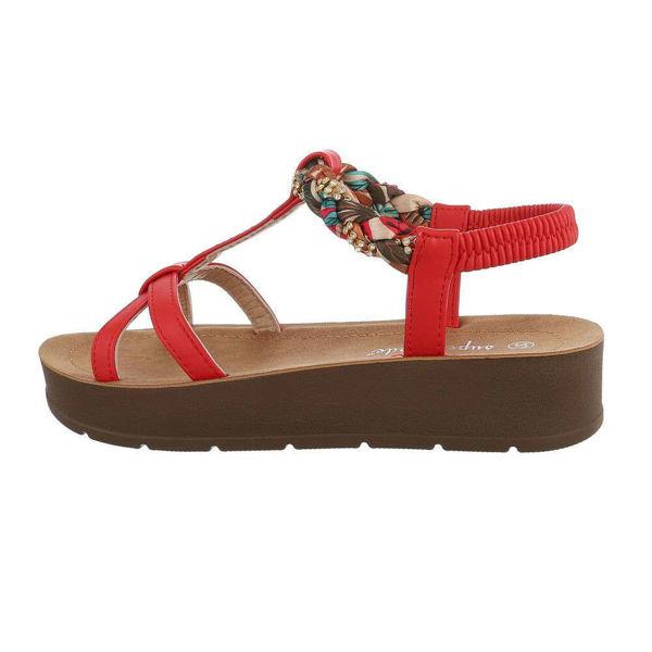 Punased-sandaalid-612519