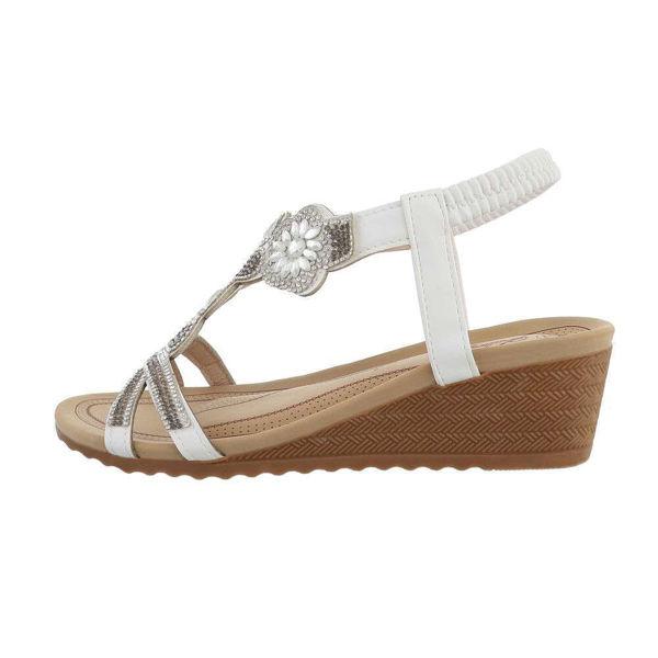 Valged-naiste-sandaalid-588546